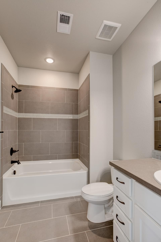 Bath 2 - Previous Oxford Floor Plan