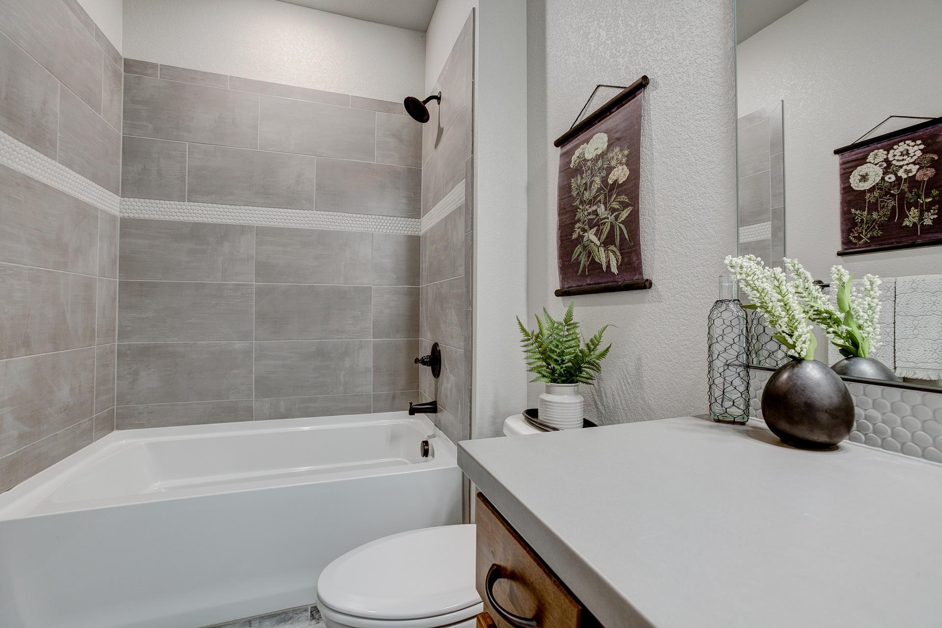 Bath 2 -  Previous Cambridge Floor Plan
